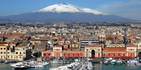 El volcan Etna en Catania Italia