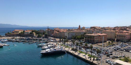 Vistas puerto Ajaccio Corcega