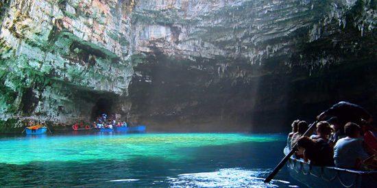 La Cueva de Melissani en barca Cefalonia