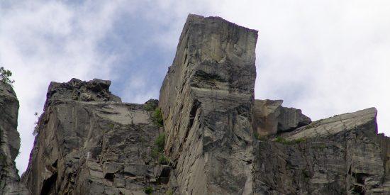 Crucero por los fiordos al pulpito preikestolen