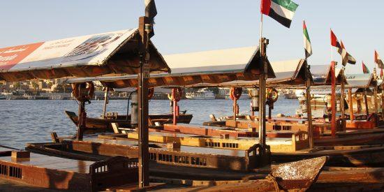 Barco tradicional Árabe Abra en Dubai