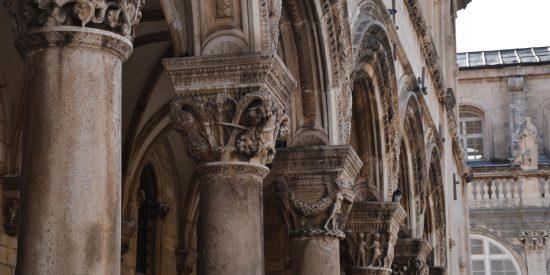 Capiteles en Dubrovnik