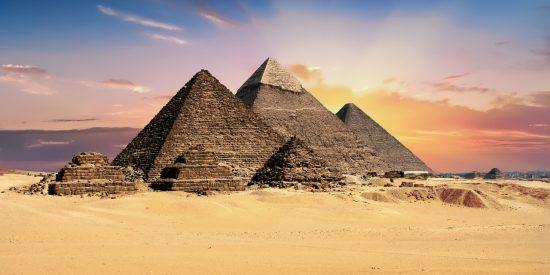 Las tres pirámides de Egipto