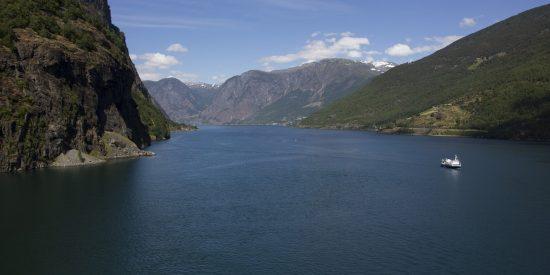 Crucero por los fiordos Aurlandsfjord Noruega
