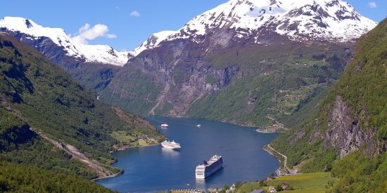 Vistas desde Mirador Flydal Gorge Fiordos Noruegos