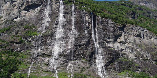 Cascadas en Nordfjord