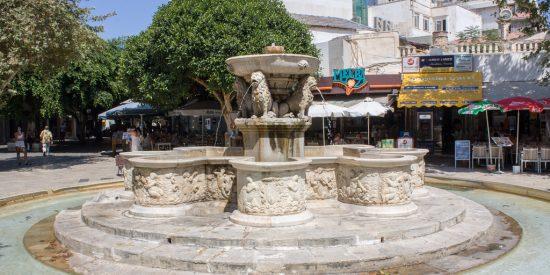 Fuente del leon en Heraklion Creta