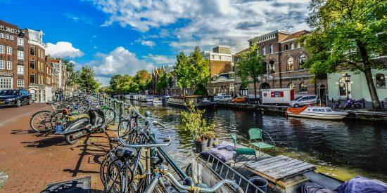 Bicicletas por Amsterdam