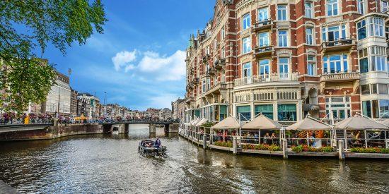Hermosa foto de los canales de Amsterdam