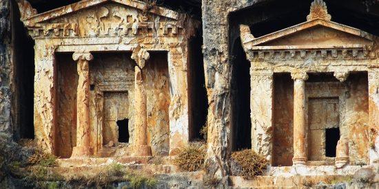 Las tumbas de roca de Kaunos