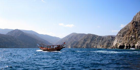 Excursión en barco por khasab