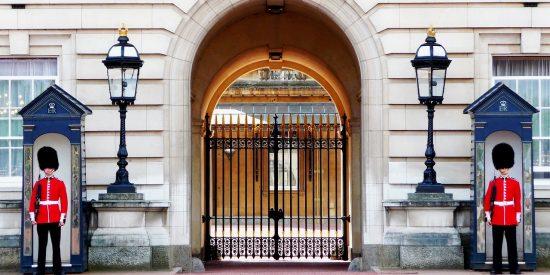 Entrada a Buckingham Palace Londres
