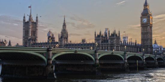 Preciosa vista del Big Ben y el palacio de Wetsminster Londres