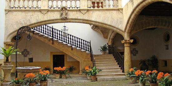 Típica entrada a casa señorial Mallorca