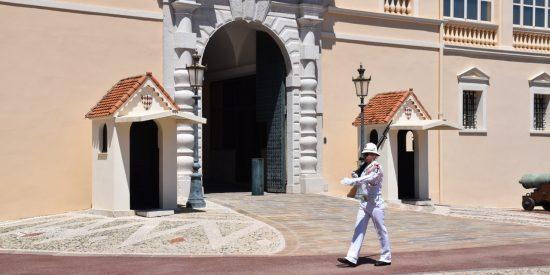 La guardia del palacio de Mónaco