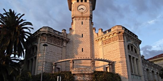 Liceo Massena en Niza Torre del reloj Niza Francia