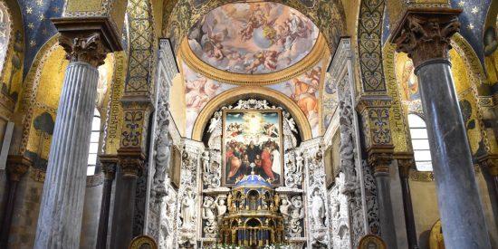 Interior de la Santa Maria dell'Ammiraglio iglesia o La Martorana Palermo