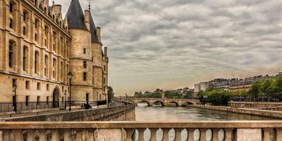 Puentes sobre el rio Sena en París