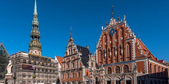 Casa de los cabezas negras en Riga Letonia