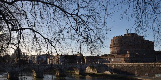 Puente en Roma Visitar Roma desde el crucero
