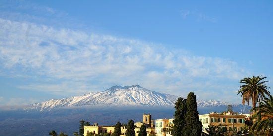 Vistas del Etna desde Taormina Sicilia Volcán