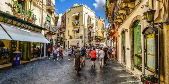 Ruta por el centro de Taormina Sicilia