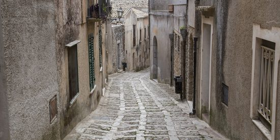 Calles empedradas de Trapani Sicilia