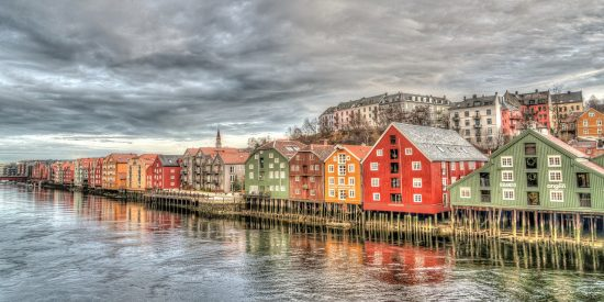 Casas sobre el agua Escandinavos Trondheim Noruega Excursión Cruceros