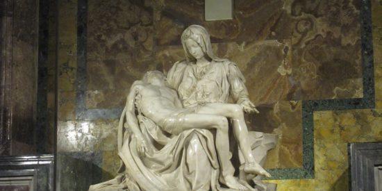Esculturas clásicas en el museo del Vaticano