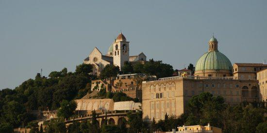 Vistas a la catedral de San Ciriaco