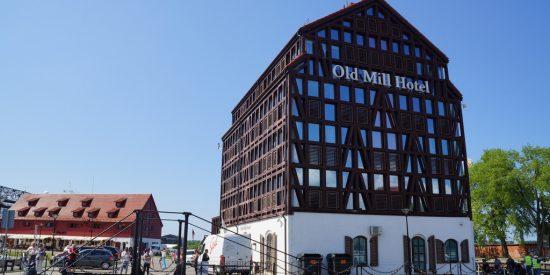 Espectacular edificio del Old Mill Hotel en Klaipeda