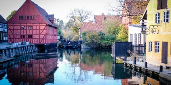 Excursión por los canales de Aarhus Dinamarca