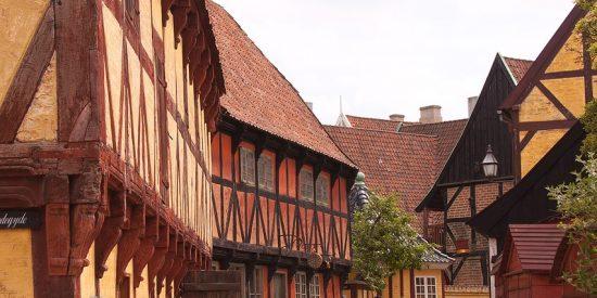 Excursión por las calles de Aarhus Dinamarca