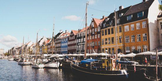 Puerto de Aarhus ciudad de Dinamarca