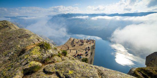 Fiordos Noruega el Pulpito Preikestolen