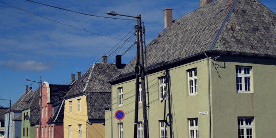 Casas de la pintoresca Haugesund Noruega
