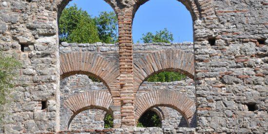 Arcos de The great Basilica ruinas Butrinto Albania