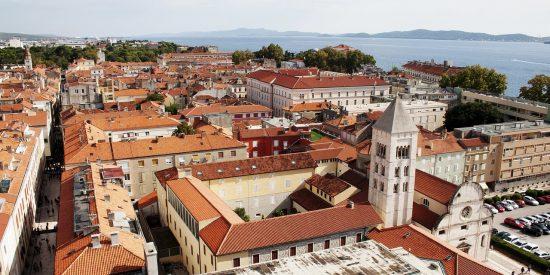 Vistas a la ciudad de Zadar en Croacia