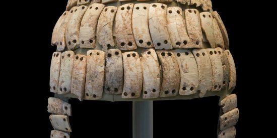 Casco de colmillos de jabali en Micenas