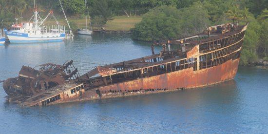 Barco hundido en Roatan Honduras