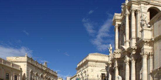 Visita a Piazza Duomo de Ortigia Italia